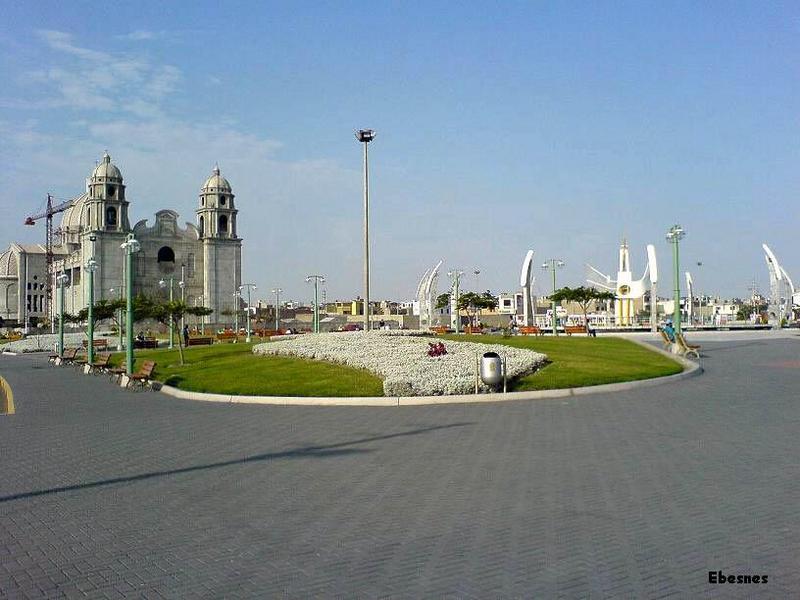 Plaza de Armas de Nuevo Chimbote Plaza-de-armas-de-cimbote